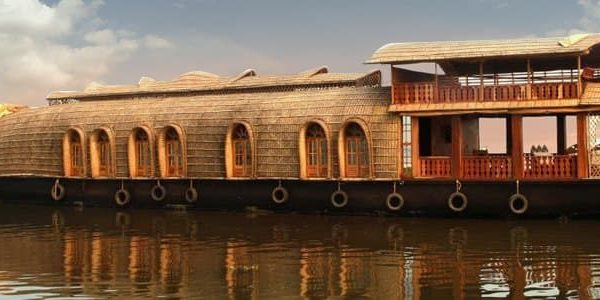 How Kettuvallams (Houseboats) Originated in Kerala?