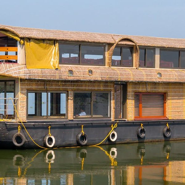 Cruising 101: Houseboat cruising in Kerala
