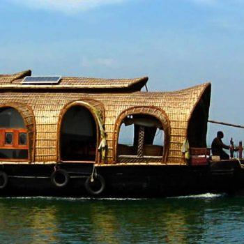 How Kettuvallams (Houseboats) Originated in Kerala?