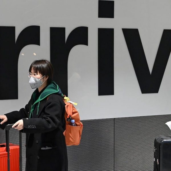 Coronavirus: How to Travel Safely during this deadly pandemic??