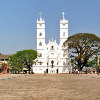 A Peek into Vallarpadam Church's Past